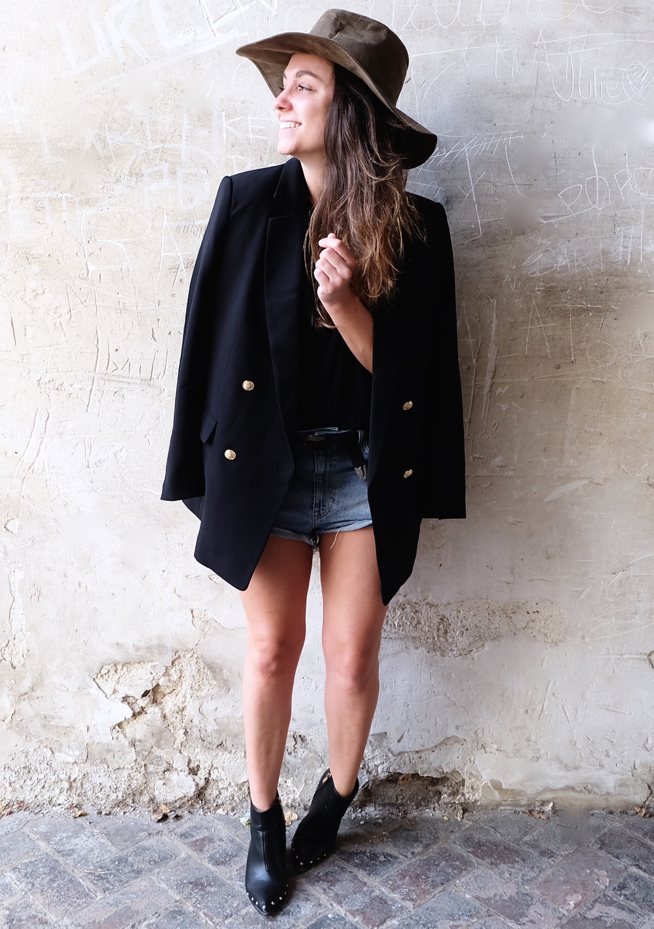 # Short & blazer à doubles boutonnages